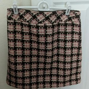 Perfect office skirt for the fall!